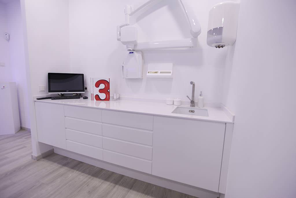 nou3-comercos-centre-dental-vilanova-13