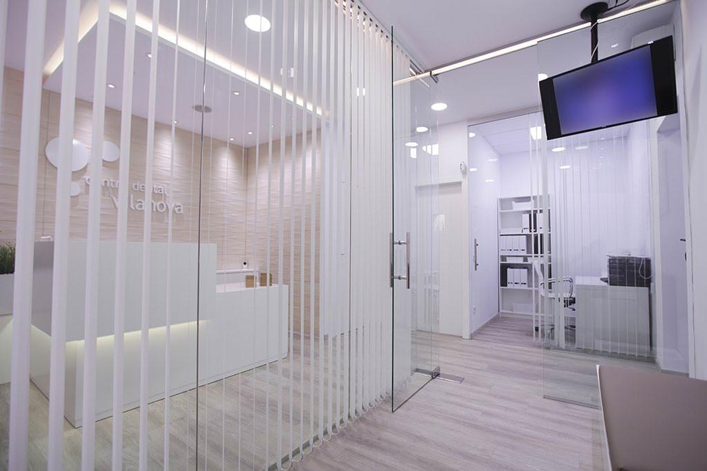 nou3-comercos-centre-dental-vilanova-4